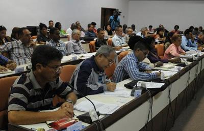 Diputados cubanos a tercera jornada de debates en comisiones
