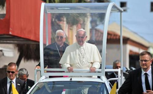 Papa Francisco insiste en solución para cubanos en Costa Rica