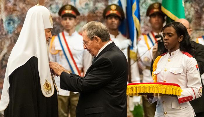 """""""Vive Cuba!"""" , le patriarche Kirill remercie l'ordre José Martí qu'il a reçu."""