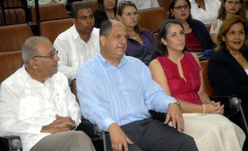 Presidente de Costa Rica interesado en biotecnología cubana