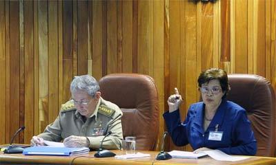 Economía cubana creció 4 % en este año 2015