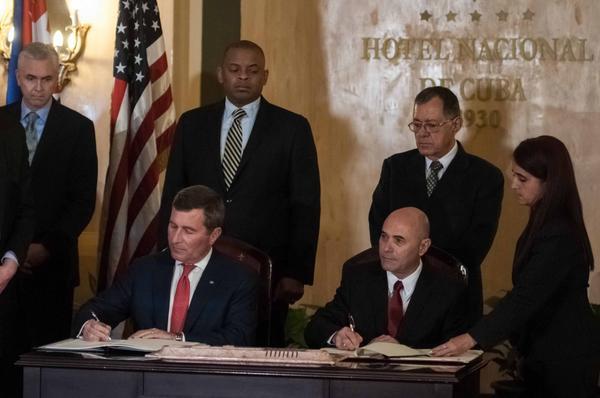 Suscriben Cuba y EE.UU. acuerdo para vuelos regulares directos