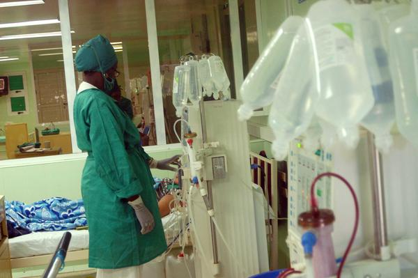Garantizan en Camagüey servicio de hemodiálisis bajo estrictas medidas de bioseguridad